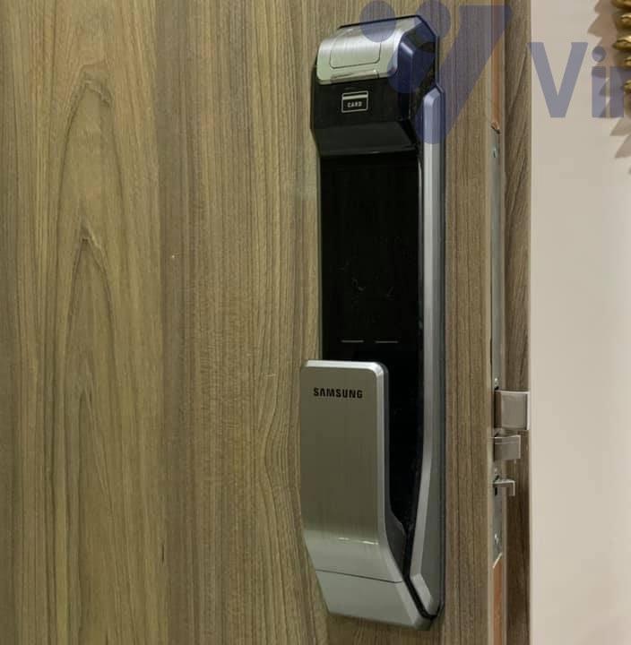 Thay thế khóa vân tay Samsung SHS P718 tại chung cư Lotte